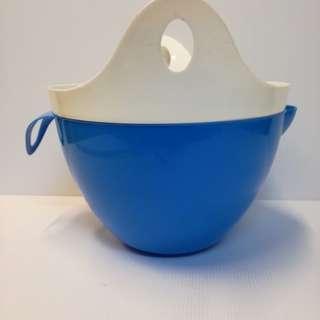 洗菜的籃子。