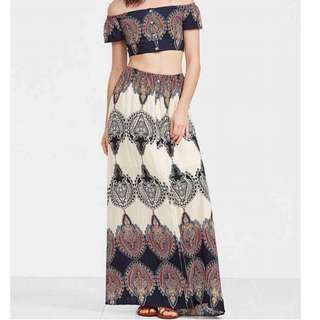 BOHEMIAN TERNO OFF SHOULDER CROP TOP AND MAXI SKIRT