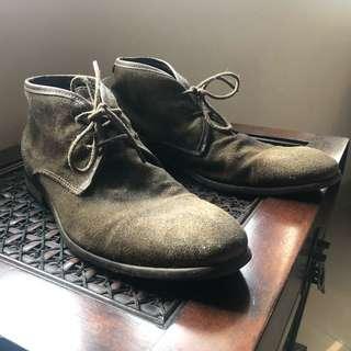 Full leather Hudson chuka boots size 42