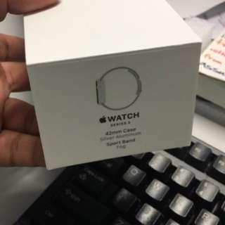 Apple Watch brand new : series 3 : 42 mm