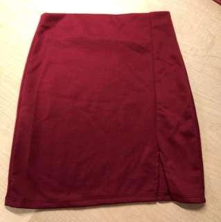 Slit red bodycon skirt