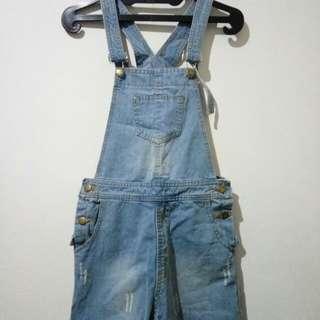 Overall jeans baju kodok