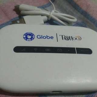 Pocket wifi w/ usb cord