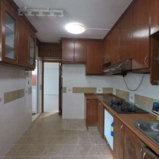 4 Room HDB Unit For Sale