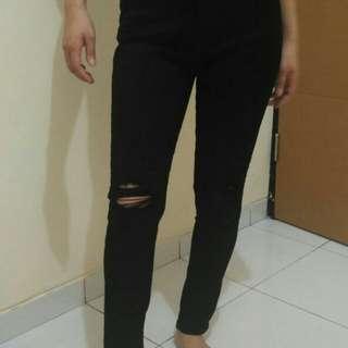 Soft Jeans Hitam HW