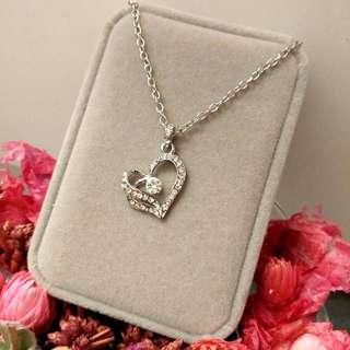 心心相印閃亮吊墜頸鏈 Elegant Hearts Flashing Pendant Necklace 情人節禮物 Valentine's Day Gift❤🎁