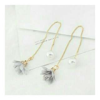 HANNAH GREY EARRINGS / anting pesta