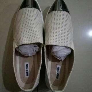 Sepatu miu miu