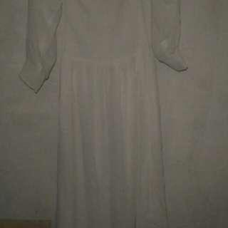 dress sabrina white