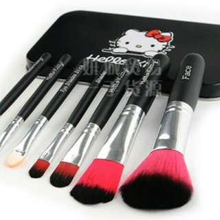 KUAS HELLO KITTY KALENG ISI 7 PCS / HELLO KITTY BRUSH SET 7 IN 1