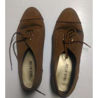 FLAT BROWN SHOES