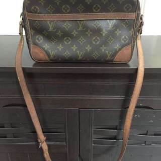 AUTHENTIC LV SLING BAG