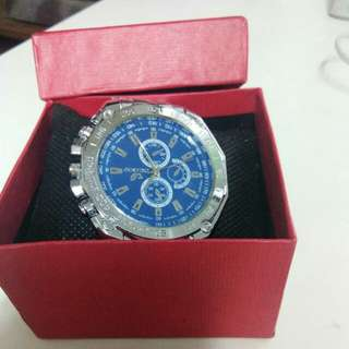 Selling my Watch Unused and Brandnew