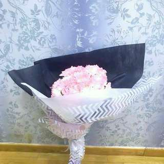 LAST MIN** Valentine's Day baby Pink Chamomile Bouquet • Rose Pretty
