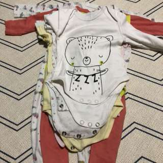 Preloved Baby Rompers & Sleepsuits (FREE)
