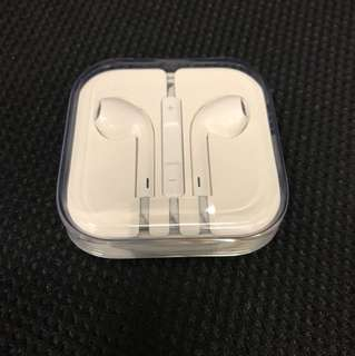 Apple Original 3.5mm EarPods *** Post only
