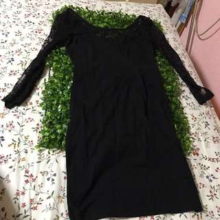 H&M 3/4 sleeve little black dress