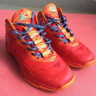 Basketball FIBA EDT PEAK shoes