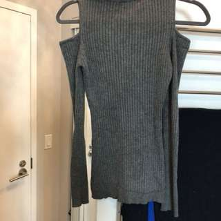 Grey cut our sleeve sweater