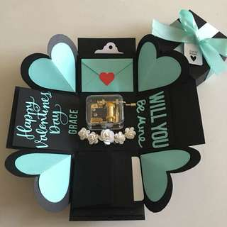 Valentine explosion box with hand wind musical box, 4 waterfall in black & Tiffany