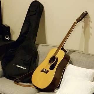 Michael Kelly Nolstalgia N2 Guitar with bag and belt
