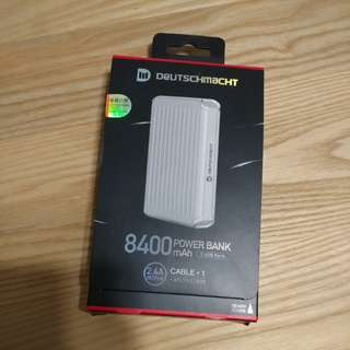 Deutschmacht 8400mAh power bank 充電器