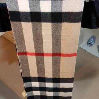 Burberry 全新歐洲經典格子圍巾(假貨我給雷劈死