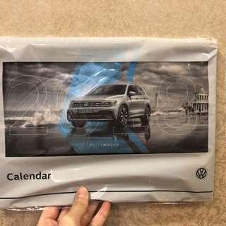 🚚 2018福斯VW桌曆月曆 附Volkswagen車款磁鐵 原廠貨 全新未拆封 快速出貨
