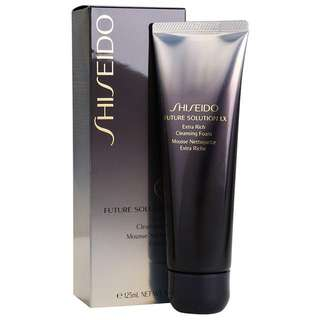 BN Shiseido Future Solution LX Extra Rich Cleansing Foam
