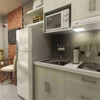 Murang Condo? 5k lang monthly 15k reservation fee! victoria de malate! call or text 09353238877 for more details!