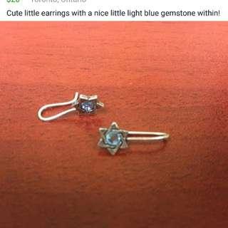 Mini star earrings