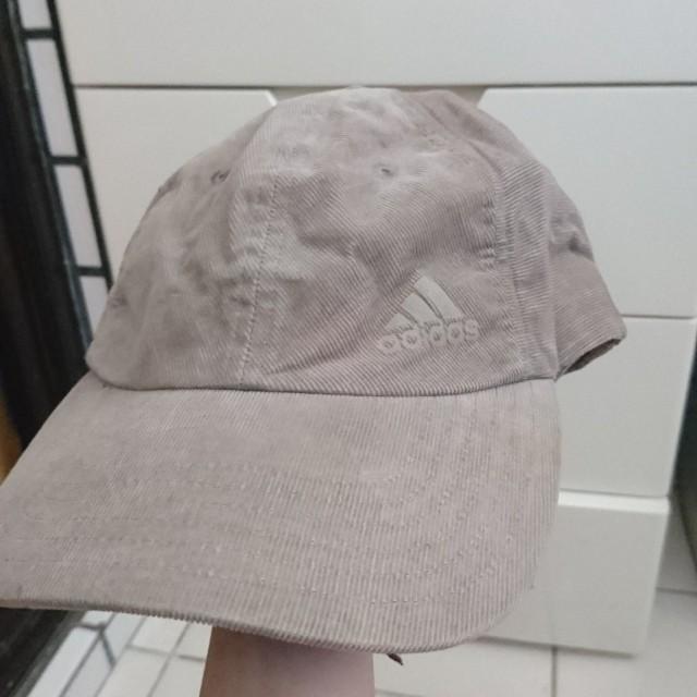 9.9成新 adidas麂皮棒球帽