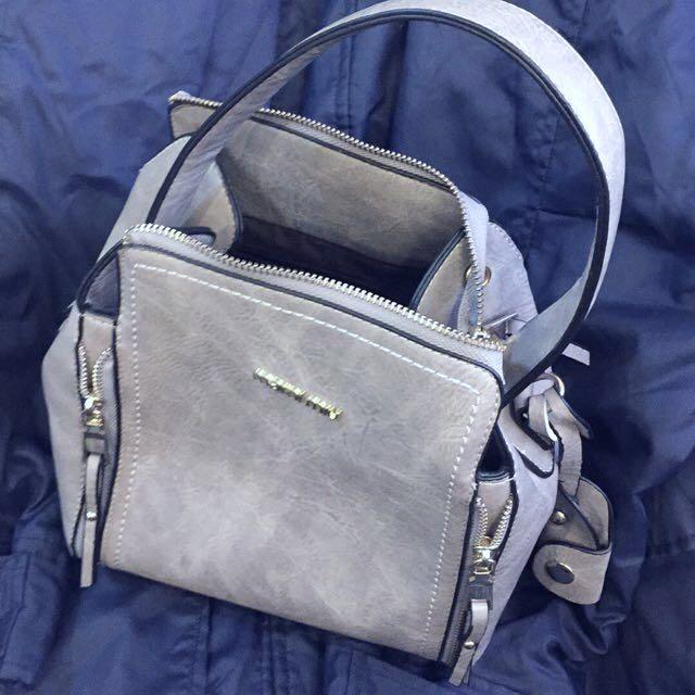 淺灰色手提包 側背包