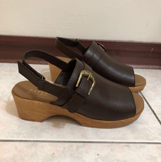 日本帶回 日牌 咖啡色 木頭底 跟鞋