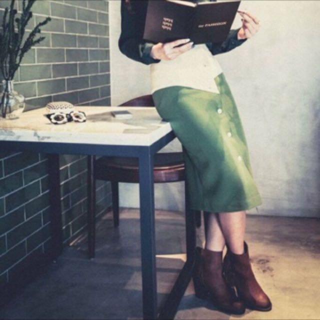 全新 MARJORIE 瑪喬麗 拼接色排釦高腰窄裙 S
