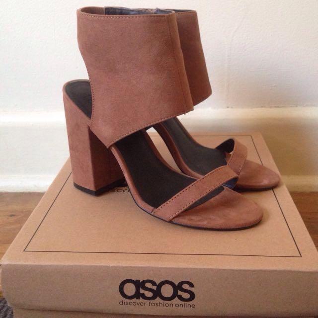 ASOS size AU 7 suede block heels
