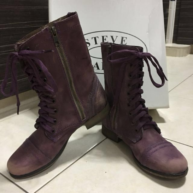4b6e890c023 Authentic Steve Madden Troopa Distressed purple boots