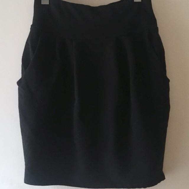 Black Skirt with Pokets