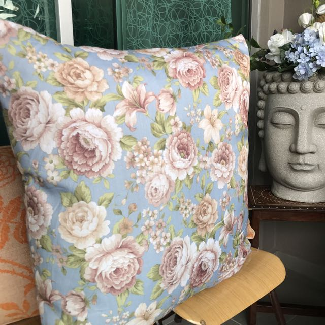 British floral Large comfy pillow