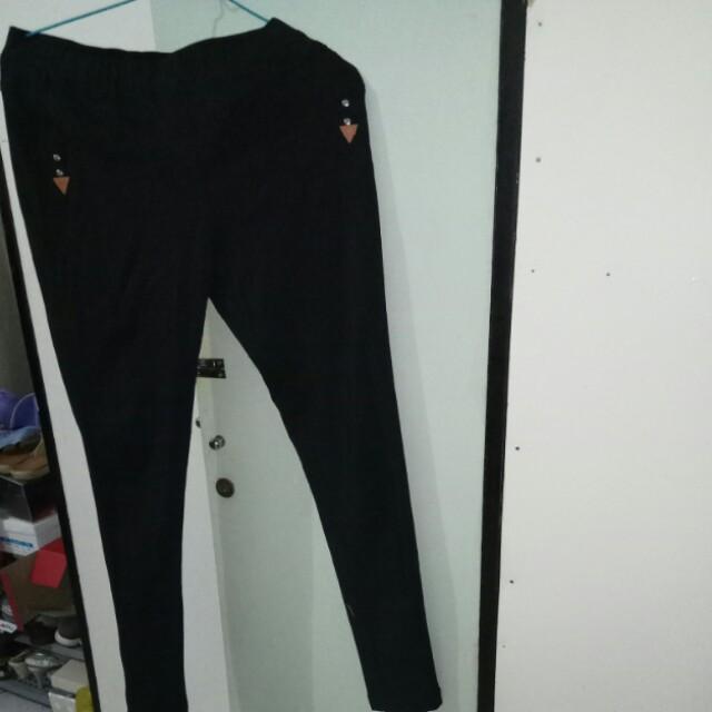 Celana stretch hitam