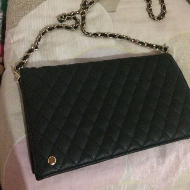 9279d54b701445 Chanel like bag, Women's Fashion, Bags & Wallets on Carousell