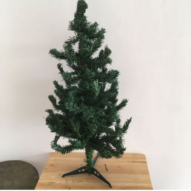 Christmas Tree (28 inches tall)
