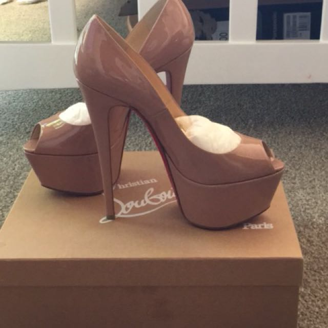 EVERYTHING MUST GO SALE!! Christian Louboutin Jamie Shoes in Nude Size 39