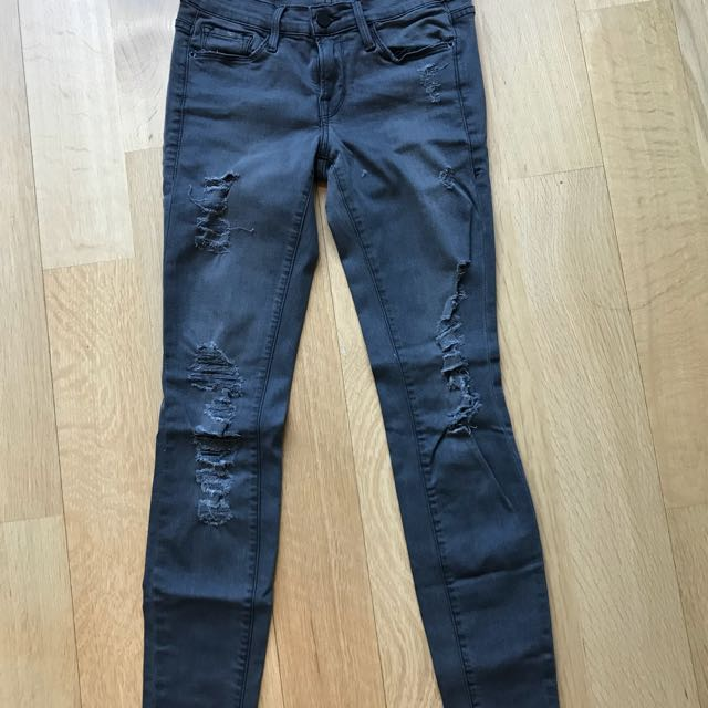 FRAME Ripped Skinny Jeans (size 25)