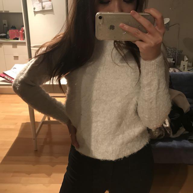 Fuzzy Soft Sweatshirt