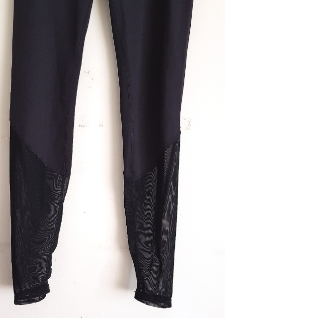 c906a11458181 HM Sports leggings REPRICED (unused but tags removed), Women's Fashion,  Clothes, Pants, Jeans & Shorts on Carousell