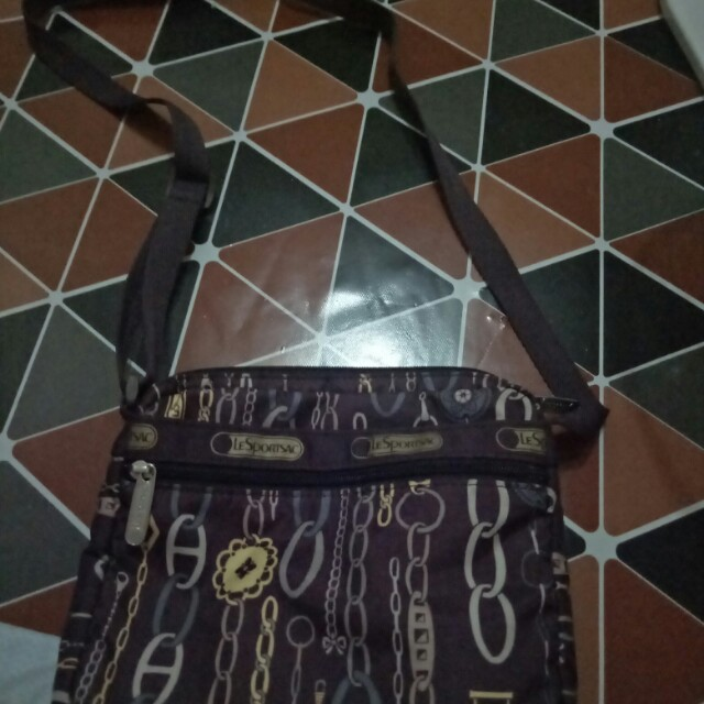 Le sport sac sling bag from the us.good condition