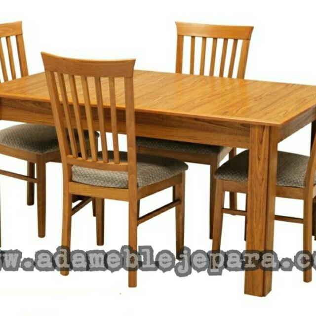 Meja makan minimalis 771
