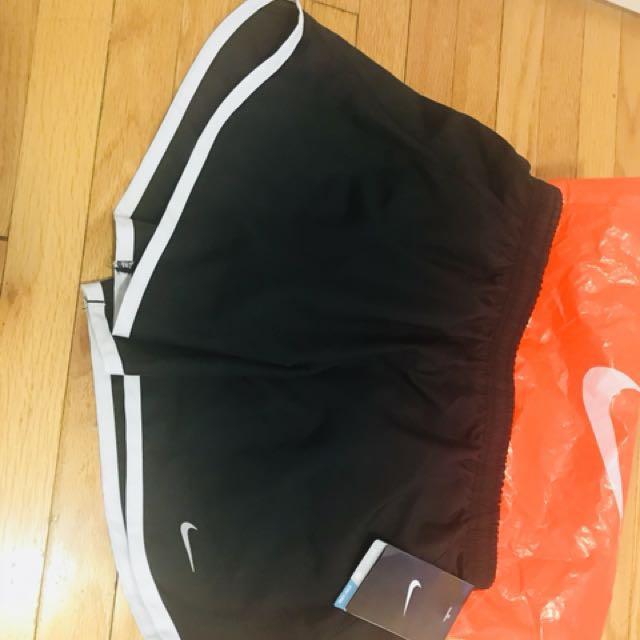 Nike Dry fit shorts youth L , women sm