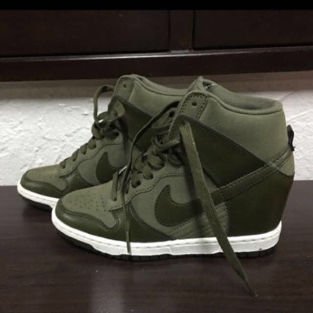 outlet store a6274 787fc Nike dunk sky hi green US 6, UK 3.5, EU 36.5 cm23, Women s Fashion, Shoes  on Carousell